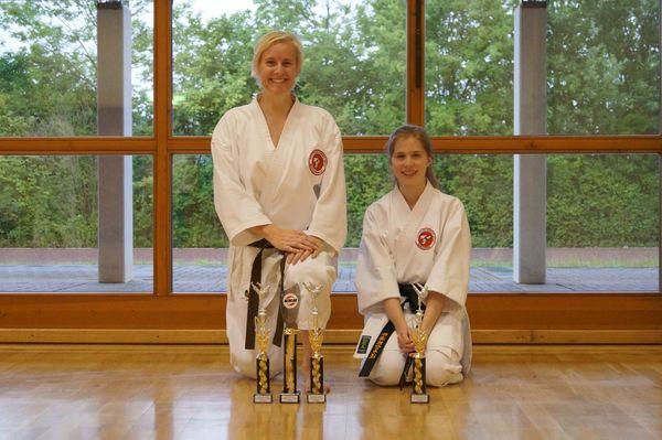 Deutsche Vizemeister in Karate 2015 (IDM): Wendy Habermehl und Elisa Tisch